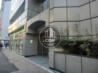 正面玄関は昭和通り沿いです