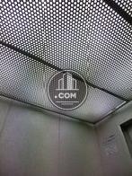 メッシュ素材の天井