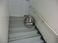 手摺付きの階段です