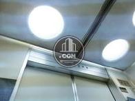 エレベーター内の天井照明