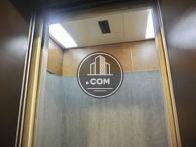 エレベーター内部の様子です