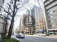桜田通り沿い