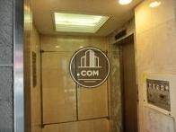 エレベーター前ホールです